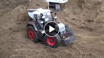 Fendt 1050 and Fendt 930 stuck on the construction site