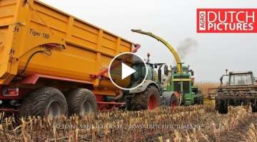 Mais hakselen 2017 - Modderen in de mais - John Deere 6850 - Fendt stuck in mud!